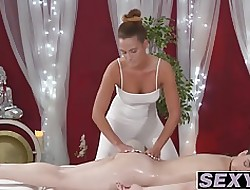 Sex-Massage-Video - lesbische Sex-Orgie